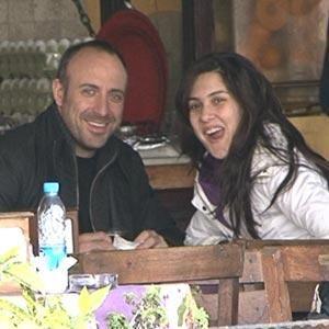 Güzel oyuncu Bergüzar Korel, Halit Ergenç'le yaşadığı aşkın eşsiz olduğunu söyledi ve ekledi: O benim en yakın dostum ve sırdaşım. Halit'in kız arkadaşı olduğum için çok mutluyum…