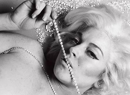 Marilyn olmayı seviyor! - 15