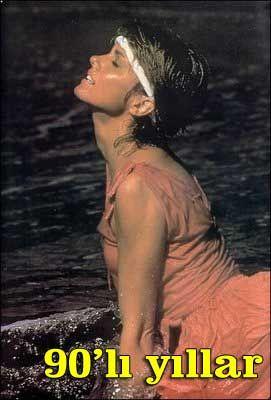 Turlington, 90'lı yılların gözde modellerinden biriydi