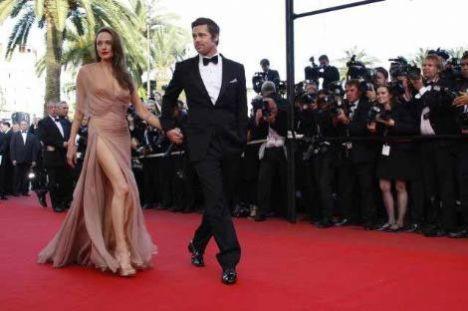 İnternetteki entertainment wise sitesi de Brangelina çiftinin bir türlü çözümleyemediği sorunları sıraladı. İşte Angelina Jolie ve Brad Pitt çiftinin ilişkilerini sağlam bir şekilde yürütebilmeleri için çözmeleri gereken sorunlar.