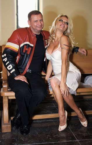 Pamela Anderson - 3