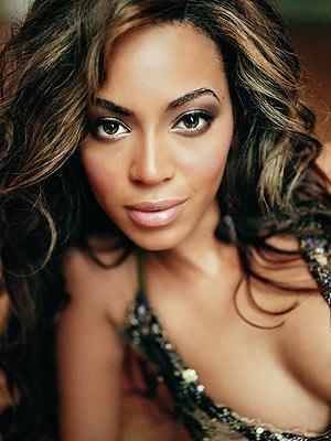 1-Beyonce Knowles'ın annesinin bir kuaför salonu vardı ve hızla yükselen genç yıldız bu salonda, yerlerdeki saçları süpürerek harçlığını çıkarıyordu.