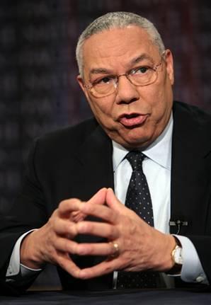 5-Colin Powell çok başarılı bir komutan ve de diplomat olmasının yanında, Bronx'ta büyürken, bebek odaları için mobilya satan bir dükkanda çalışmıştı. Hatta dükkan sahipleri İbranice konuştuğu için o da bu dili öğrenmişti.