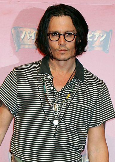Johnny Depp: İlk ilişkisini henüz 13 yaşında yaşamış.