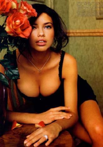 Adriana Lima  8 milyon dolar