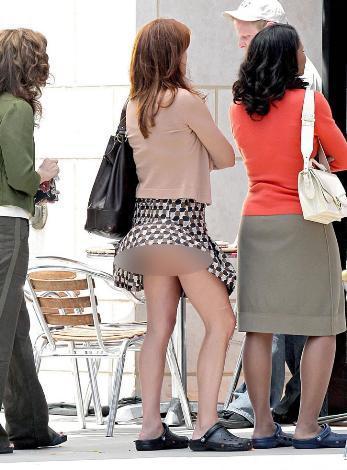 что твориться под юбками фото