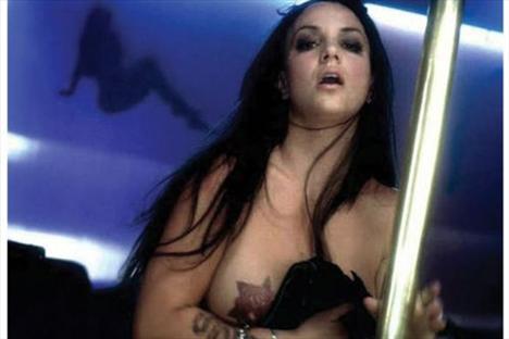 Britney Spears üstsüz! - 3