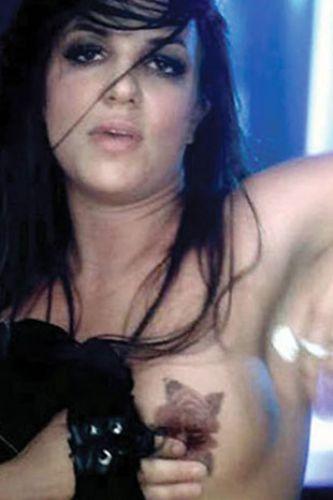Britney Spears üstsüz! - 16