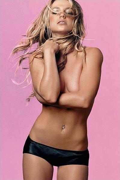 Britney Spears üstsüz! - 19