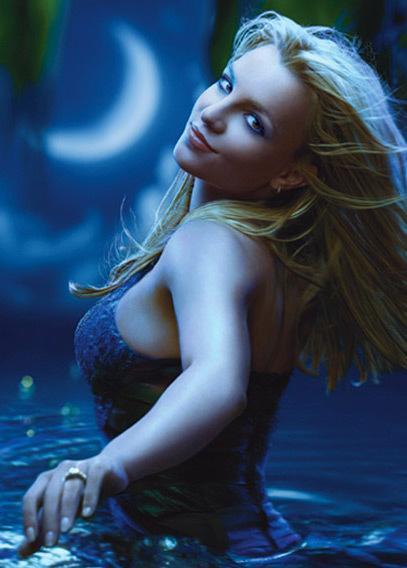 Britney Spears üstsüz! - 28