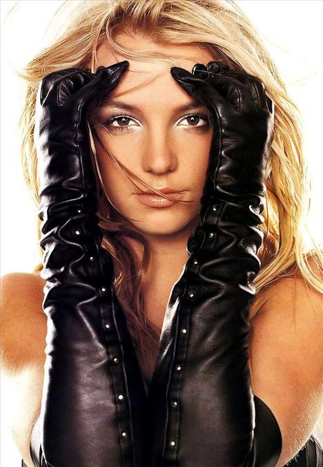 Britney Spears üstsüz! - 51