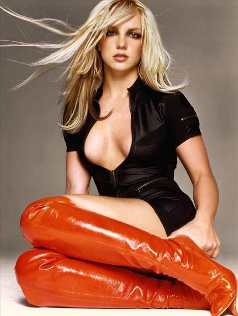 Britney Spears üstsüz! - 56
