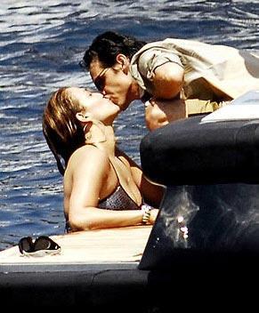 Jennifer Lopez ve eşi Marc Anthony geçen yıl böyle ateşli anlar yaşamıştı.
