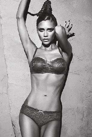 Victoria Beckham, en kötü vücutlu ünlü seçildi.