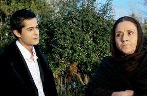 ÖZGÜL KAVRUK  Gurbet Kadını ve Derman Bey başta olmak üzere pek çok dizide kötü kadın karakterleri canlandırdı.