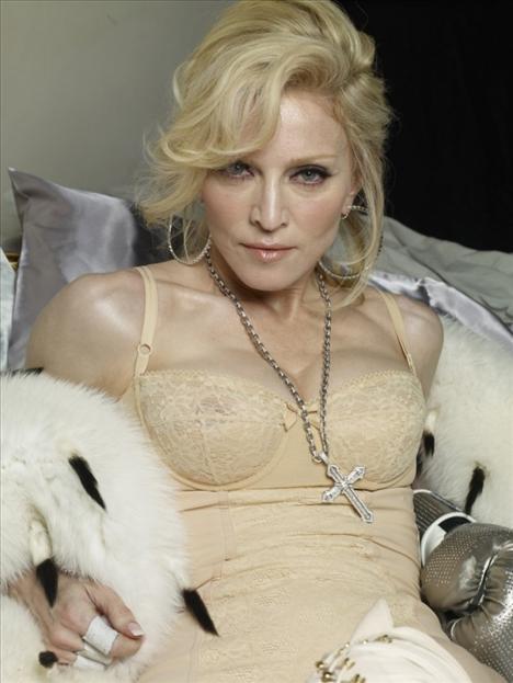 Photoshop'suz Madonna - 2