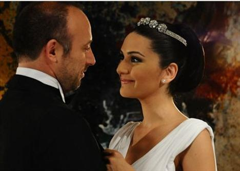 Bergüzar Korel ve Halit Ergenç - 10