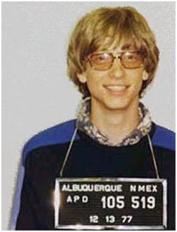 Bill Gates Ehliyetsiz araba kullanıp dur işaretinde geçtiği için 1977'de Albuquerque'de tutuklandı. Görünene göre Gates ehliyetlerine sahip çıkmakta zorlanıyordu. 1975'de aşırı hızdan ve  ehliyetsiz araba kullanmaktan ve 1989'da içkili araba kullanmaktan yargılanacaktı fakat sonradan Gates'e verilen ceza azaltıldı.