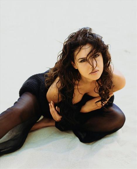 Monica Bellucci - 39