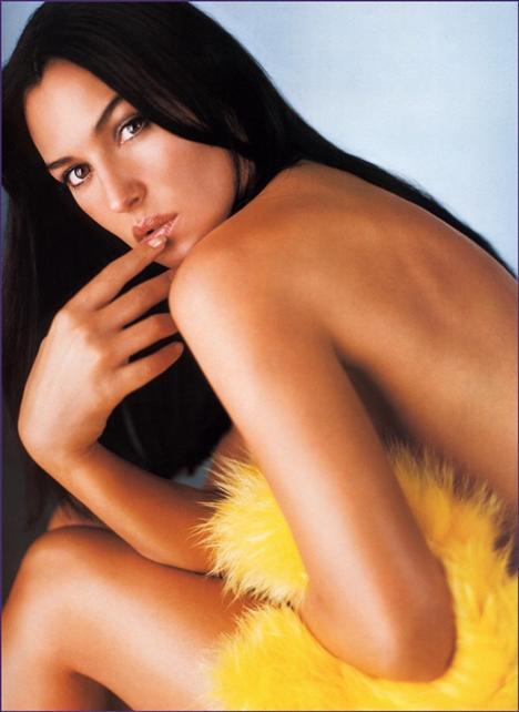 Monica Bellucci - 90