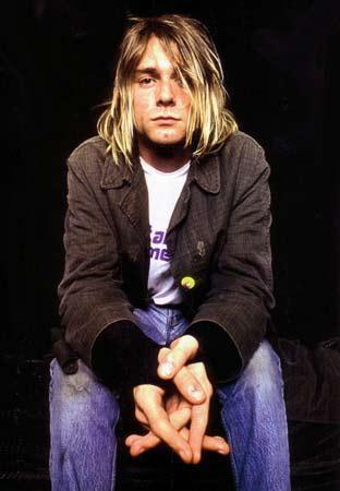 Cobain'in parmak izlerinin, etrafında bulunan hiçbir   eşyanın üstünde ve de kendini vurmak için kullandığı öne   sürülen tüfeğin üstünde yer almadığı da belirtiliyor.   Yanında bulunan intihar notunun son dört - beş satırının   ve mektubun başındaki 'Boddah' kelimesinin (Cobain'in   çocukken yarattığı hayali arkadaşın ismi) başka bir el   tarafından yazılmış olduğu iddia edildi.