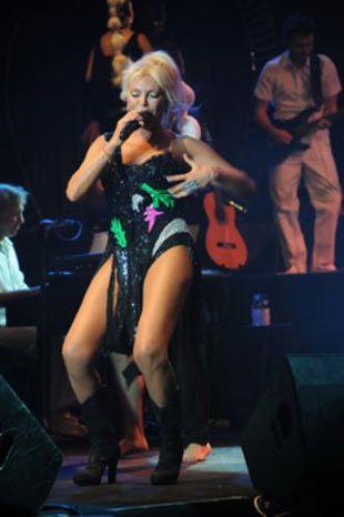 Pop müziğin yaşayan efsanesi Ajda Pekkan, yeni konserlerinde mayolu sahne şovunu gölgede bırakacak sürprizlere hazırlanıyor.