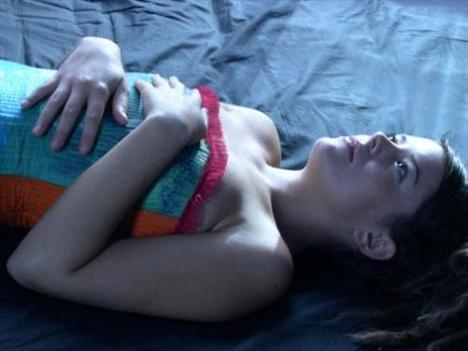 Cennette Savaş  Genç yönetmen Carlos Reygadas'ın filmi (Batalla En Cielo) 2005'teki Cannes Film Festivali'nde cesur anlatımıyla kelimenin tam anlamıyla yeri yerinden oynatmıştı.