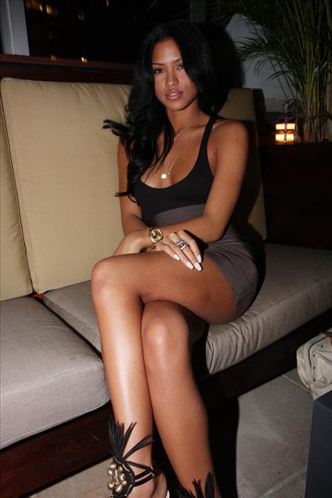 Cassie Ventura - 4
