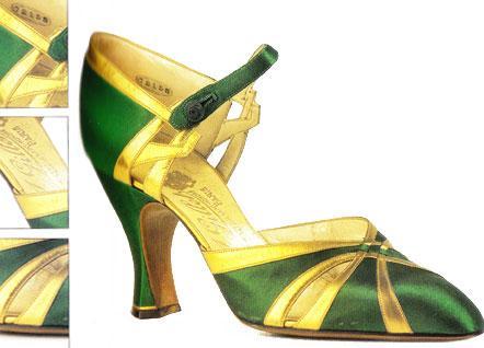 20. yüzyıldan itibaren ayakkabı tasarımcılığı hızla gelişmeye başladı. Bir çok tasarımcı kendi isimleriyle tasarımlarını hayata geçirmeye başladılar.  Yandaki fotoğraftaki ayakkabı A. Gillet isimli bir ayakkabıcının 1928 - 1930 yılları arasında tasarlayıp hayata geçirdiği bir model.