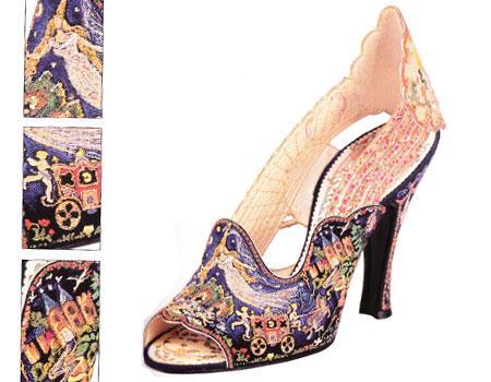 Cindrella'dan esinlenen 1950 yapımı bir Sarkis Der Balian ayakkabısı.