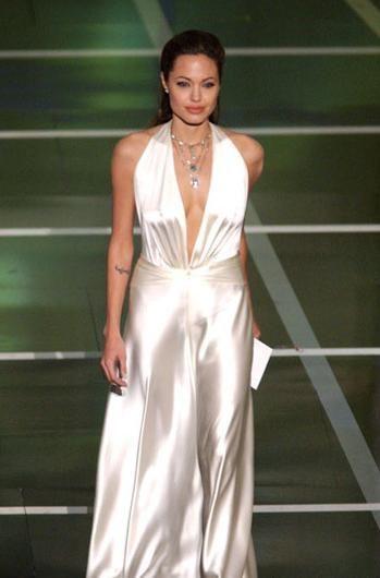 Jolie-Beckham Armani için poz verecek - 13