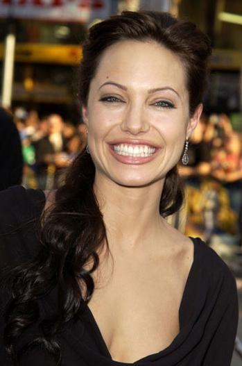 Jolie-Beckham Armani için poz verecek - 23