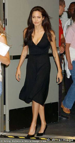 Jolie-Beckham Armani için poz verecek - 15