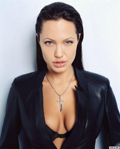 Jolie-Beckham Armani için poz verecek - 25