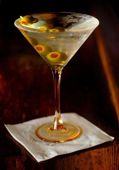 MARTINI (VERMUT)  Alkol Hacmi: Yüzde 16 - 20 Kalori: 100 ml için 170 kalori