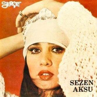 Daha sonra Engin Aksu ile evlendi.