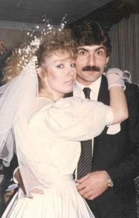 Seda Sayan Türkiye'nin evlilik rekortmenlerinden biri de Seda Sayan. Sayan'ın ilk eşi Sarıyerli futbolcu Rıdvan Kılıç'tı. Ancak bu evlilik 6 ay sürdü.