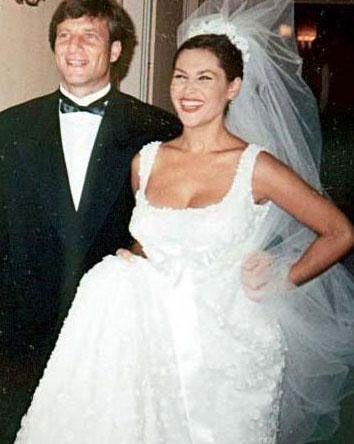 Avşar yıllar sonra bu kez Kaya Çilingiroğlu ile evlendi. Bir kız çocuğu sahibi oldu. Bu evlilik de boşanmayla bitti.
