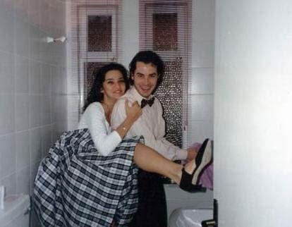 Hande Ataizi'nin bilinen ilk ünlü sevgilisi Fikret Kuşkan.