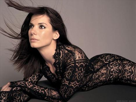 Sandra Bullock - 33