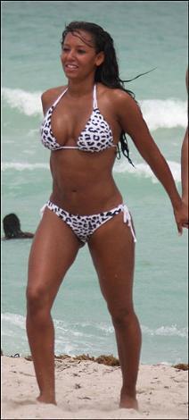Bir bikini bu kadar mı güzel giyilir - 32