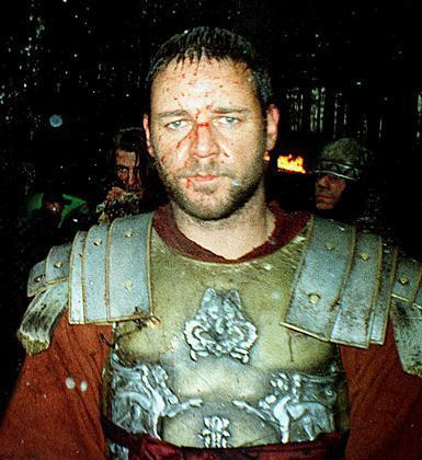 Russell Crowe, Gladyatör ile büyük sükse yaptı.