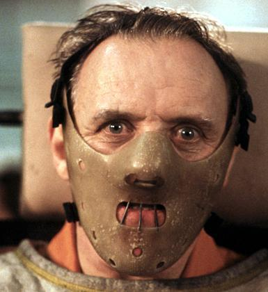 Kuzuların Sessizliği'nde Anthony Hopkins'in oynadığı Hannibal Lecter rolünü ,,,