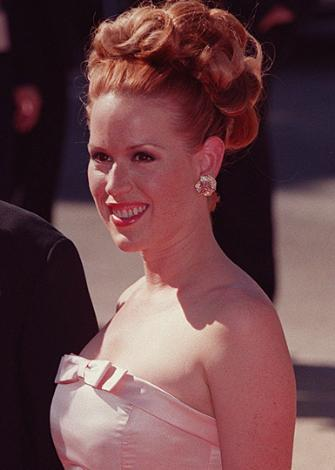 Eğer Moore olmasaydı Moore'un oynadığı rol için düşünülenlerden biri de Molly Ringwal'du.