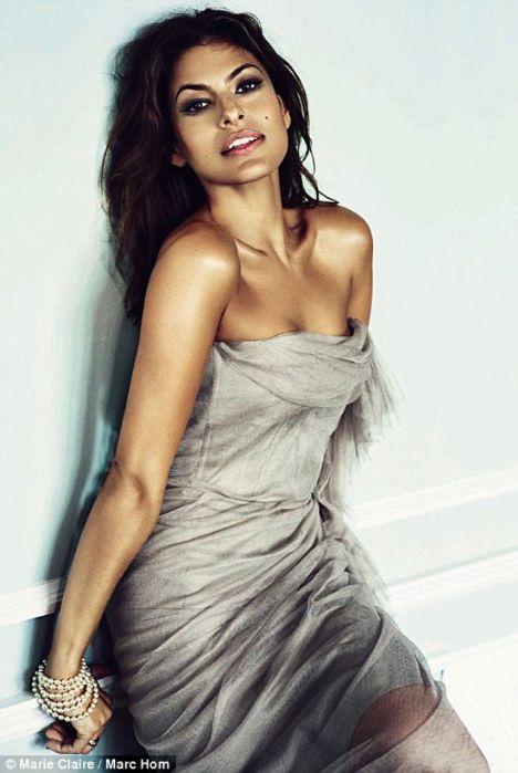 Seksi Hollywood yıldızı Eva mendes, Marie Claire Dergisi'ne birbirinden seksi pozlar verdi.