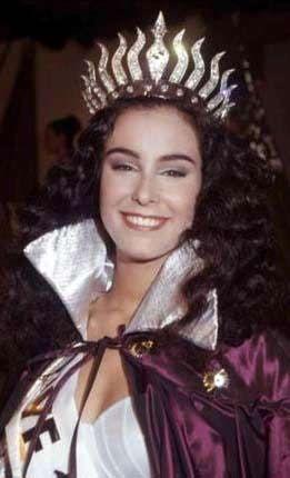 Arzum Onan 1993'te hem Türkiye hem Avrupa güzeli seçildi.