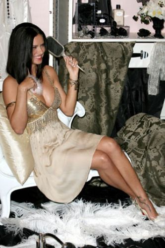 Adriana Lima - 13