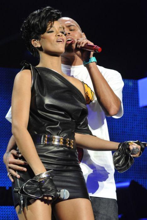 Rihanna'dan şaşırtan imaj! - 8