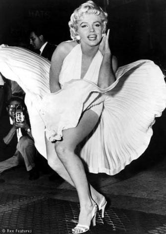 Uçuşan etek denilince Marilyn Monroe