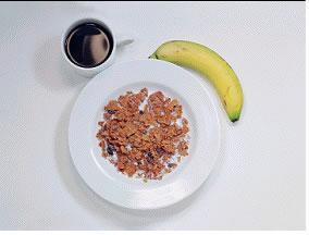 Kahvaltılık gevrek - 300 kalori   1 küçük kase mısır gevreği 200 ml. yarım yağlı süt 1 adet muz 1 fincan şekersiz çay ya da kahve
